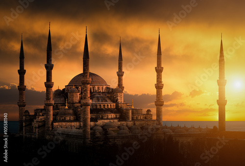 Aluminium Prints Turkey The Blue Mosque during sunset in Istanbul