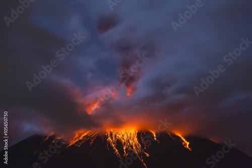 Fotografie, Obraz  Tungurahua Volcano