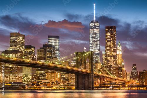 Naklejka premium Most Brookliński o zmierzchu, Nowy Jork, USA