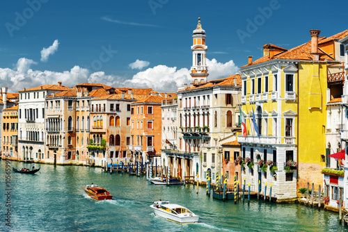 Photo  The Grand Canal and colorful facades of medieval houses, Venice