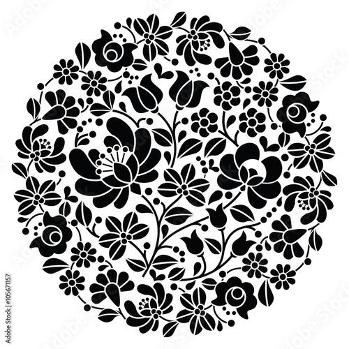 Fotografía Kalocsai folk art embroidery - black Hungarian round floral folk pattern
