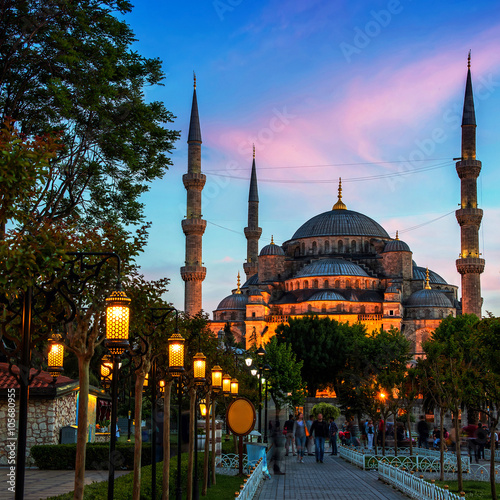 Photo  Sultan Ahmed Blue Mosque in Istanbul, Turkey at sunset
