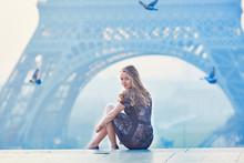 Beautiful Elegant Parisian Wom...