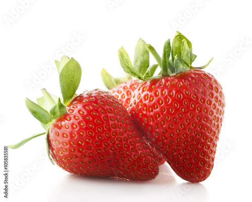 Photo strawberries isolate on white