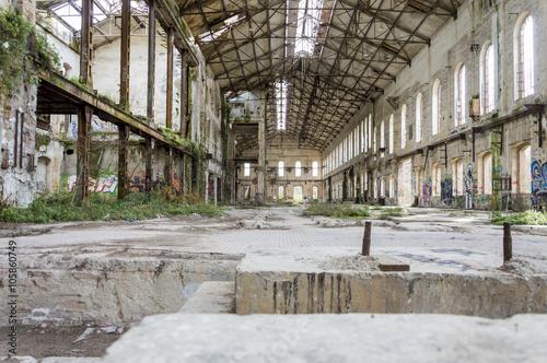 Papiers peints Les vieux bâtiments abandonnés abandoned metallurgical factory waiting for a demolition