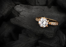 Jewelry Ring Witht Big Diamond...