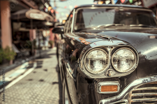 fototapeta na drzwi i meble Vintage car headlights