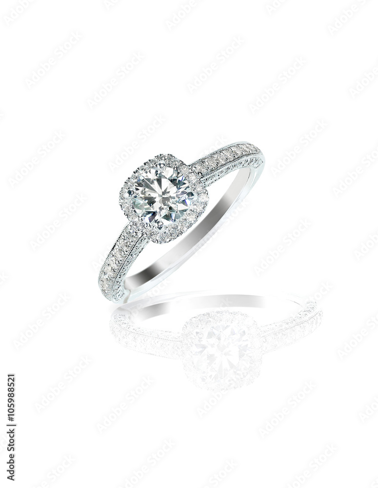 Fototapety, obrazy: Diamond solitaire engagement wedding ring isolated on white