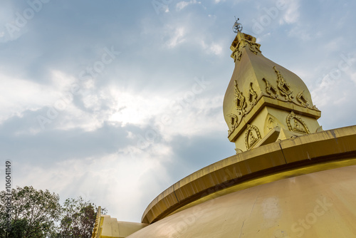 Foto op Plexiglas Indonesië golden pagoda architecture at wat Nong Pah Pong in Ubon Ratchath