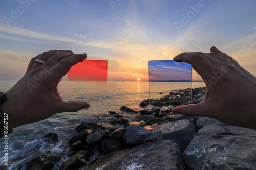 Fotografía  How to red and blue filter effects the image, reverse light image and very shall