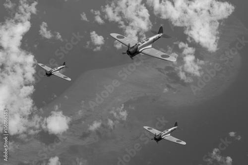 Fotografie, Obraz Japanese airforce World War 2 over Papua New Guinea.