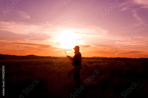 Foto op Canvas Jacht Bowhunter at Sunset