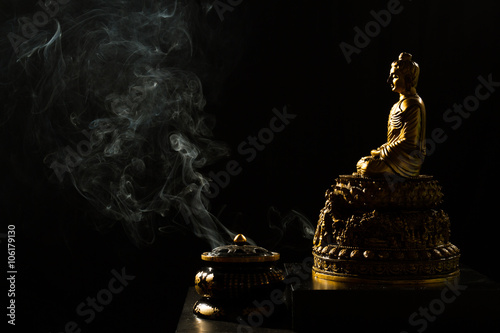 Valokuvatapetti Sitting Bronze Budda with Incense Burner