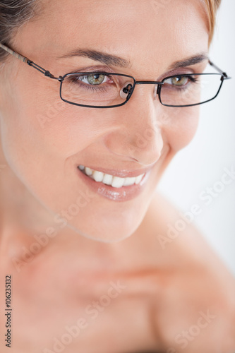 9a095182d1752e visage de femme caucasienne avec des lunettes de vue - Buy this ...