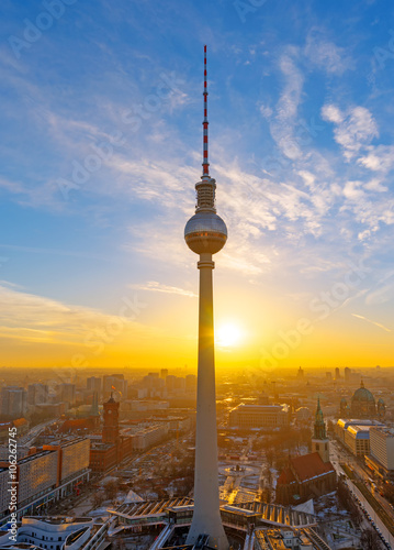 In de dag Berlijn Lovely sunset at the Television Tower in Berlin, Germany