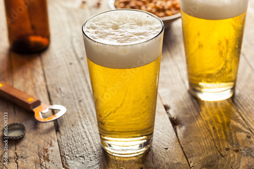 Canvas Print Refreshing Summer Pint of Beer