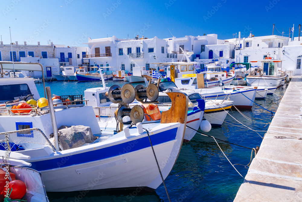 Fototapety, obrazy: Beautiful famous traditional quaint fishing village of Naoussa, Paros island, Greece