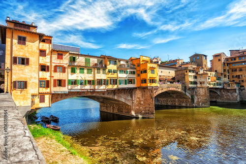 Photo Stands Florence The Ponte Vecchio, Florence, Italy