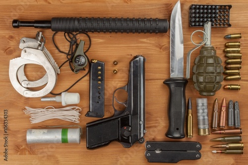 Tablou Canvas Weapons and Equipment secret agent