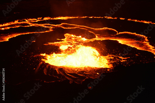 Photo sur Toile Volcan Eruption of Erta Ale