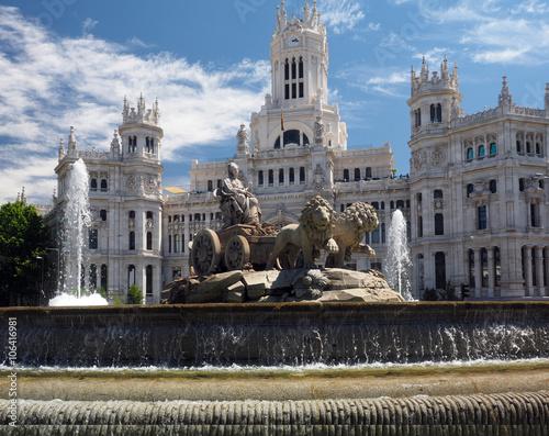 In de dag Madrid city hall Palace Cybele Palacio de Cibelas statue and fountain