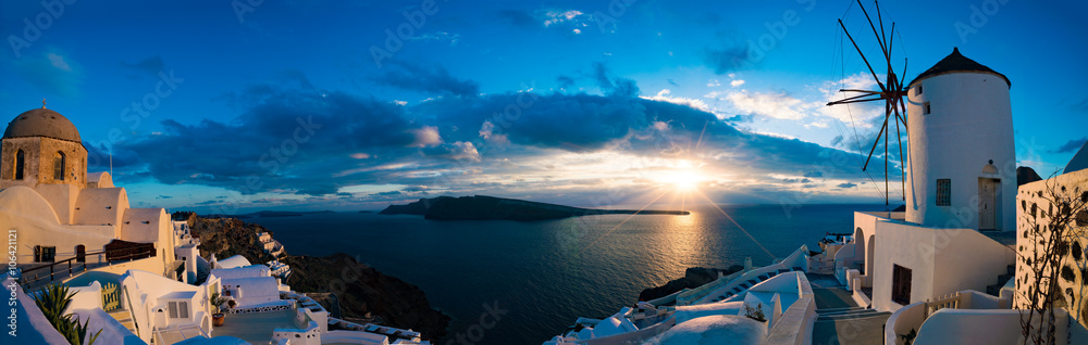 Fototapety, obrazy: Famous beautiful Oia village on a summer morning, Santorini isla