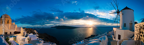 Foto op Aluminium Santorini Famous beautiful Oia village on a summer morning, Santorini isla