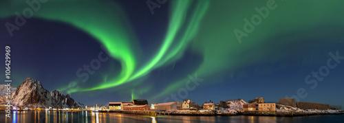 Fotografie, Obraz  Nordlicht in  Norwegen Svolvaer Panorama