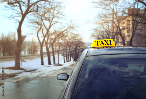 Foto op Plexiglas New York TAXI Taxi sign on car outdoor, closeup