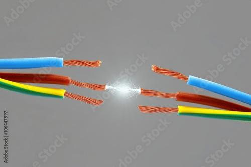 Fotografie, Obraz  Elektro Kabel mit Funken Blitz
