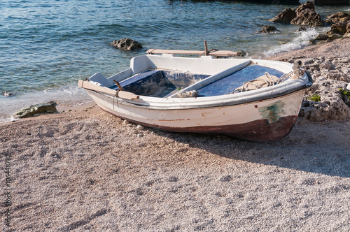 Poster Nautique motorise Boat on the beach at Agios Nikolaos port, Zakynthos
