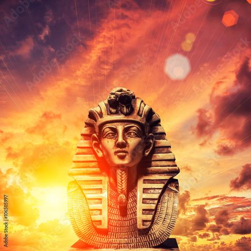 Fotografia Stone pharaoh tutankhamen mask