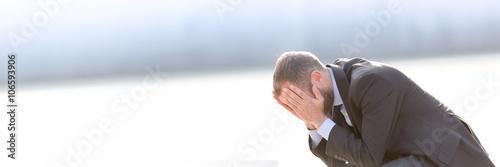 Fotografía  Unhappy and depressed businessman