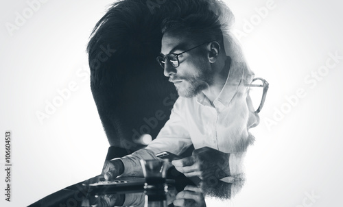 Portrait of stylish bearded lawyer wearing glasses and looking city Tableau sur Toile