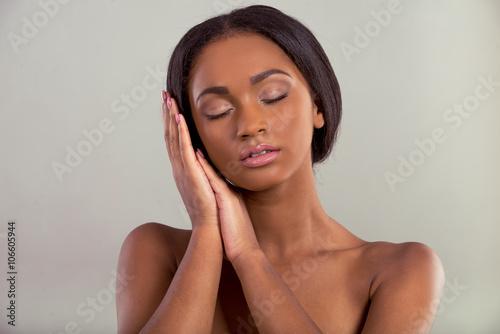 Fototapety, obrazy: Beautiful Afro American girl