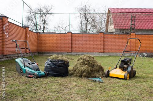 Fényképezés  aerator, combing the lawn