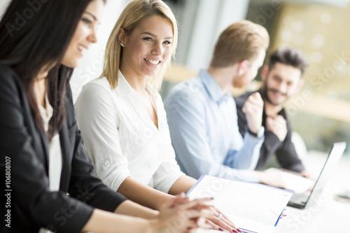 Fototapety, obrazy: Business people