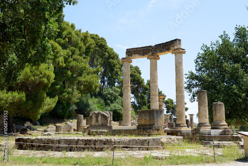 Foto op Aluminium Rudnes The Philippeion ruins in ancient Olympia, Peloponnes, Greece