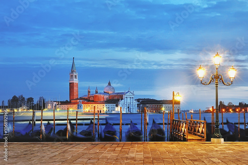 Poster Jogging view of Canal Grande from Piazza San Marco at blue hour, Venice