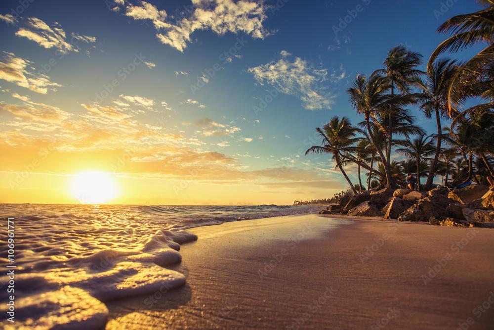 Fototapety, obrazy: Landscape of paradise tropical island beach, sunrise shot