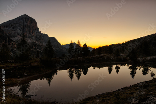 Canvas Prints Reflection Alba Lago Limedes
