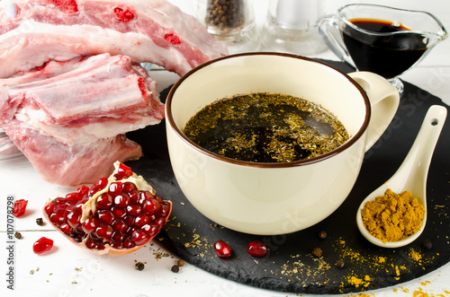 Marinade for skewers of soy sauce and pomegranate juice