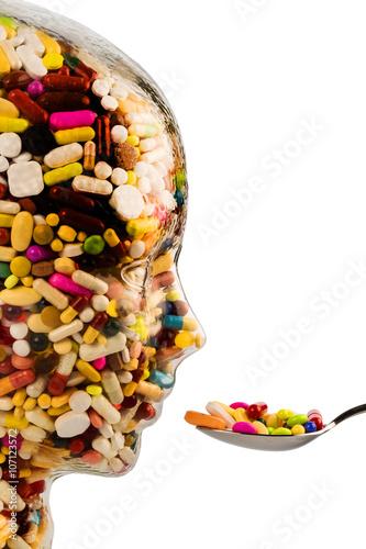 Tela  Kopf aus Glas mit Tabletten