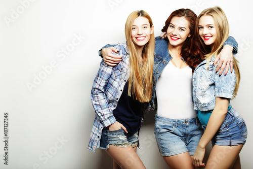 Fotografija  Three Girls smiling and having fun.