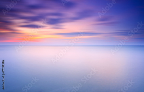 Photographie  Long Exposure of soft sunset for background