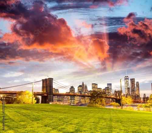 Downtown Manhattan skyline from Brooklyn