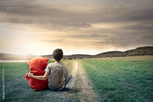 Fantastique Paysage Young boy and his friend