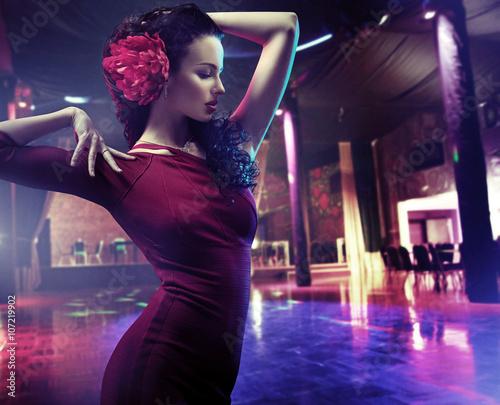 Obraz na plátně  Closeup portrait of a woman dancing flamenco