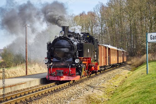 fototapeta na drzwi i meble Alte Dampflok auf Rügen