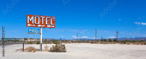 Aluminium Prints Route 66 Abadoned, vintage motel sign on route 66